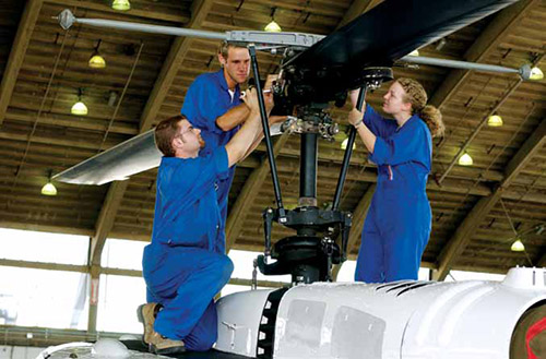 how to become aircraft maintenance technician